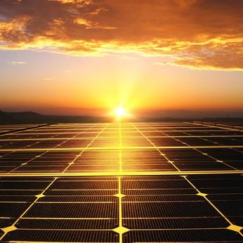 solarmodule_und_energiespeicher