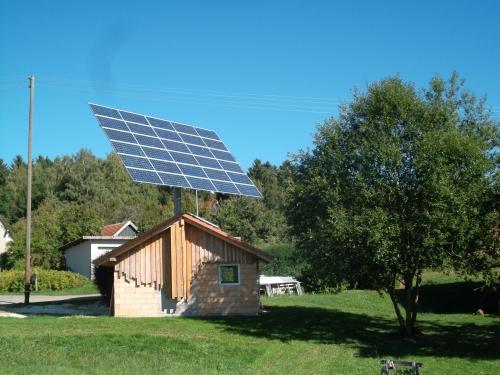 solarmodule_und_wechselrichter_als_energiespeicher
